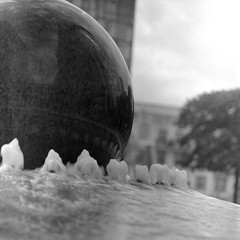 Floating Ball (ucn) Tags: fountain brunnen rolleiflexsl66 sonnar150mmf4 berggerpancro400 filmdev:recipe=11990 agfastudional developer:brand=agfa developer:name=agfastudional