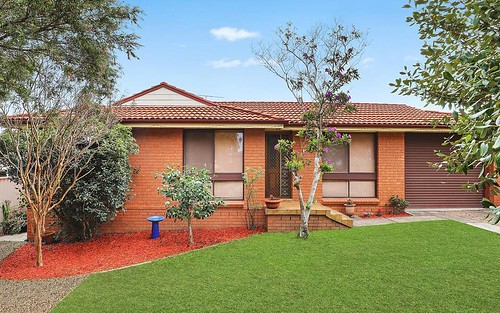 2/3 Amiens Cl, Bossley Park NSW 2176