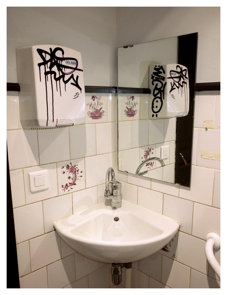 Bezaubernd Bad Waschbecken Ideen Von Vandalism (ngbrx) Tags: Metz Moselle Grandest France