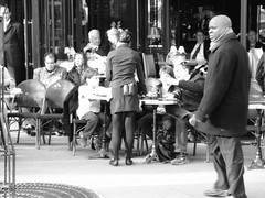 En terrasse (LUMEN SCRIPT) Tags: terrace terrasse cafe citylife citypulse city shadow light people paris blackandwhite streetphotography monochrome