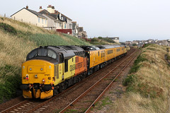 37421+37116 1Q82 (Cumberland Patriot) Tags: colas railfreight br british railways ee english electric 12csvt diesel engine type three type3 class 37 370 37116 6816 d6816 sister dora 374 37421 37267 6967 d6967 dieselelectric locomotive loco motive power traction top and tail growler syphon nr network rail yellow test train 1q82 carlisle high wapping sidings blackpool north trains seascale foot crossing copeland borough cumbria cumberland cumbrian coast railway line route railroad double track rails