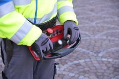 Bauarbeiter (Katholische Kirche Vorarlberg) Tags: bauarbeiter baustelle fernsteuerung steuern arbeiten remotecontrol workman