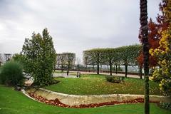 Public garden (Yuri Rapoport) Tags: 2015 fougères illeetvilaine bretagne brittany france