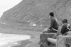 The lifeguards (inma F) Tags: almáciga benijos agua anaga arena azul cielo mar oceano ola paisaje playa roca roque beach robado tenerife monocromo bw lifeguard redcross costa shore socorristas montaña sea vigilantes