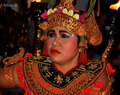 Trance #InspiraciónBdF66 (Alicia B,) Tags: bali indonesia danza dance dancer portrait retrato
