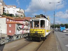 Trams de Porto (Portugal) (Trams aux fils (Alain GAVILLET)) Tags: tramsdeporto stcp tramsportugais tramsvoiesnormales