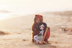 A Day At the Beach (DGdoll.pullip) Tags: sunset sun beach summer groovedoll breakfastattiffany's pullipholly holly wizardofoz lion taeyang dolls doll pullip