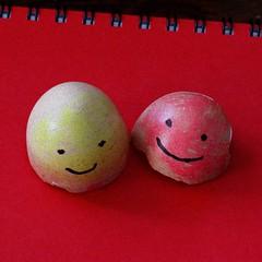 happy eggs (Gillian Everett) Tags: shells egg coloured textured eggs 118 2018 96