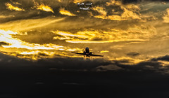 LV-BXV (M.R. Aviation Photography) Tags: learjet 45 lvbxv atardecer sunset golden hour spotting spotter aviation aviacion airplane plane aircraft avion photo photography foto fotografia pic picture frame cuadro nikon avión cielo nubes aeronave