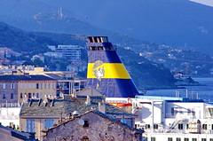 718 - Bastia dans la Citadelle, la vue depuis la Terrasse du Bar de la Citadelle, place du Donjon, la cheminée d'un Ferry au dessus des toits (paspog) Tags: bastia corse corsica france mai may 2018 port ferry ferries