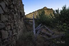 la casa (Luis R.C.) Tags: pueblos abandono ruinas bellidas paisajes edificios nikon d610