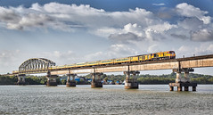Tejas Liveried KYN DP3A - 15517 with Tejas Express (cyberdoctorind) Tags: ifttt 500px bridge tourboat canal arch river pier promenade urban scene indian railways locomotives stations yards running ops alco wdp3a kalyan diesel loco shed