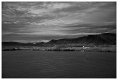 Near Reykjavík (RadarO´Reilly) Tags: reykjavík ísland iceland nordatlantik northatlantic sw schwarzweis bw blackwhite blanconegro monochrome noiretblanc zwartwit
