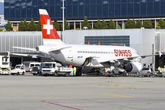 Swiss International A319-112 HB-IPT (Gideon van Dijk) Tags: gva lsgg geneva genevaairport geneve geneveaeroport switzerland swiss vliegtuig vliegveld luchthaven luchtvaart plane planespotting planes nikon nikond7200 d7200 ebace ebace17 ebace2017 international a319112 hbipt airbusa319 a319 a319100 airbusa319100 airbusa319112 727 cn727 swissinternational swissinternationalairlines swr lx