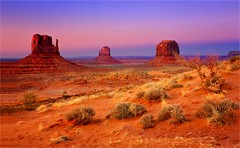 Stardust (Gio_guarda_le_stelle) Tags: sunset monumentvalley landscape landscapes atmosphere silence peaceful sky usa wonderland trip travel travelphotography i 4 beautyful panorama quiet sera afterglow westcoast