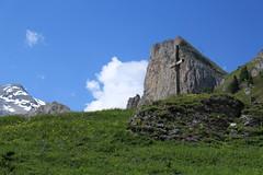 Petit Pré, Ovronnaz (bulbocode909) Tags: valais suisse ovronnaz petitpré sixarmaille montagnes nature croix paysages printemps nuages neige vert bleu alpages groupenuagesetciel