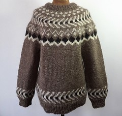 Icelandic Lopi ullar wool sweater (Mytwist) Tags: lopi icelandic icelandicsweater íslensk isle ullarpeysa ullar design lopapeysa iceland istex knit happy4258 hand tan classic wool pullover jumper sweater peysa ice love passion casual knitted timeless warm cozy retro