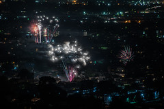 toler heights (illegal but very enjoyable), fireworks llll (pbo31) Tags: bayarea eastbay 4thofjuly holiday night black color summer nikon d810 boury pbo31 california fireworks 2018 independenceday pyrotechnics over view kingestateopenspace eastmont oakland alamedacounty illegal rooftops