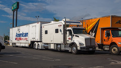 Kenworth T880 (NoVa Truck & Transport Photos) Tags: moving truck 18 wheeler bedbugger big bunk kenworth t880 condo sleeper atlas van lines american