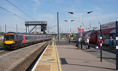 Peterborough Station - Looking North (Neil Pulling) Tags: peterboroughstation eastcoastmainline ecml train transport railway uk 170639