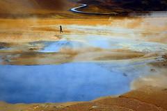 Traumwanderung (ploh1) Tags: island iceland mensch person alleine einsam vulkan gebirge dampf námafjall mvvatn snæfellsnes natur landschft ausergewöhnlich tag brodelnd strase