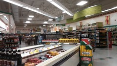 Grand aisle overview, from the rear (Retail Retell) Tags: oakland tn kroger millennium décor era store mirror image twin doppelganger reversed carbon copy former hernando ms fayette county retail 2018 remodel fresh local neighborhood flair historical images captions