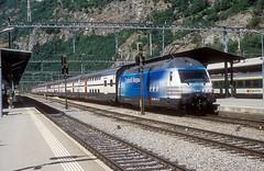 460 024  Brig  05.08.09 (w. + h. brutzer) Tags: brig eisenbahn eisenbahnen train trains schweiz switzerland elok eloks lokomotive locomotive zug railway sbb 460 webru analog nikon