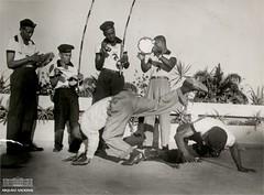 Roda de Capoeira (Arquivo Nacional do Brasil) Tags: capoeira cultura culture brazilianculture culturaafrobrasileira cotidiano dança arte artebrasileira esporte luta arquivonacional arquivonacionaldobrasil nationalarchivesofbrazil história memória
