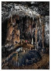 Coventosa - Sala de los fantasmas (Sorginetxe (Iñigo Gómez de Segura)) Tags: cueva cave caving cavidad cantabría coladas coventosa speleophotography subterránea fotografíasubterranea espeleología espeleofotografía espeleofotografo espeleotemas espelotema estalactita estalagmita iñigogomezdesegura ilunpeart kobazuloa kobazulo