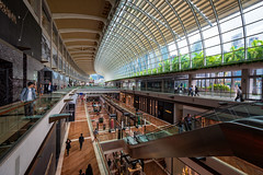 The Shoppes at Marina Bay Sands (claustral) Tags: 2018 singapore shopping marinabay shoppes indoor gallery mall upmarket expensive retail modern city shops curve