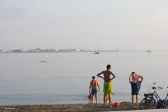 IMGP7731rf (dacmavaupes) Tags: onthebeach people streetphotography summer camargue legrauduroi mediterraneansea