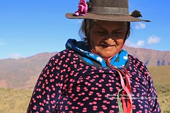 Humahuaca, El Hornocal, Indio woman (blauepics) Tags: argentina argentinien jujuy province provinz provincia nord north andes anden berge mountains landscape landschaft unesco world heritage site weltkulturerbe quebrade huamhuaca el hornocal indo woman frau colourful farbig traditional traditionell costum tracht