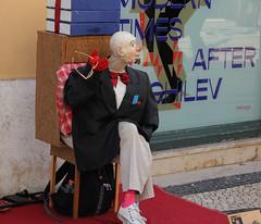 Rua do Carmo (hans pohl) Tags: portugal lisbonne streets rues villes cities personnes people art théâtre de rue