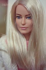melancholy (КристинаCristina) Tags: barbie doll dollphotographer dollcollector mattel wonder woman antiope toys
