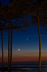 conjonction Lune - Vénus (Denis Vandewalle) Tags: moon lune astronomy sky skynight nightscene planet ciel nuit night crépuscule