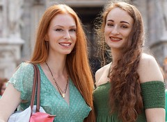 "Serena & Alessandra (e³°°°) Tags: rossitalia ""capelli rossi"" milano milaan meiland italian italy italië italien italiaans duomo dom ""piazza duomo"" rood roodharigendag red retratos rouge ros roodharig rothaarig hair redhead rossitalia2018 pelirrojo portrait portraiture posing retrato rosso lady woman mademoiselle female femme frau mädchen girl girls glimlach ginger lach smile sorria sonrisa sourire stunning gals women vrouw ragazze красный рыжий ryzhiy pelirroja redhaired mc1r serena alessandra"