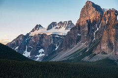 On the road from Moraine Lake, Banff National Park (marvhimmel) Tags: general jaspernationalpark montana flatheadlake canada bristishcolumbia pink