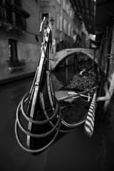 _D1I1042 (Samuli Koukku) Tags: venice 2018 italy gondola canal boat travel bw blackwhite canon 1dx2 2470 art artistic city cityscape lowkey