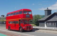 DB1073.  RMC1490, Porthmadog. (Ron Fisher) Tags: bus doubledecker vintagebus classicvehicle vehicle rm routemaster rm1490 490clt porthmadogharbourstation porthmadog gwynedd gogleddcymru cymru northwales wales hunslet125