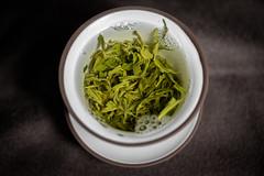 brewing Mao Feng (mkniebes) Tags: tea greentea maofeng gaiwan brewing gongfucha