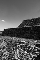 Pirámide Del Sol | Teotihuacán (Ginori Photography & Film) Tags: panasonic lumix gx8 panasonicgx8 lumixgx8 panaleica panasonic1260mm leica1260mmf284 varioelmarit microfourthirds mirrorless tenochtitlán tenochtitlan mexico pyramids aztec pirámides azteca ruins ruinas
