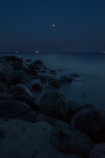 Total Eclipse of the Moon with brilliant Mars, Baltic Sea, Germany