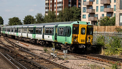 455828 (JOHN BRACE) Tags: 1982 brel york built class 455 emu 455828 seen east croydon station southern livery
