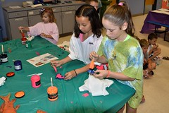 SSA 080118 052 (Tolland Recreation) Tags: boys girls kids children youth tweens art painting crafts artwork paint tolland connecticut artists recreation