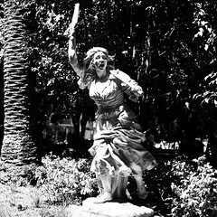 Maria da Fonte  ( 1916  - 1920 ) - António Augusto da Costa Motta (tio) (1862-1930) (pedrosimoes7) Tags: antónioaugustodacostamottatio mariadafonte aguerradapatuleia leidasaúde revoluçãodosacoaoombroedaroçadouranamão civilwar naturalistandrealistschool jardimteófilobraga campodeourique lisbon portugal blackwhitepassionaward naturalismo naturalist realist realismo marble mármore