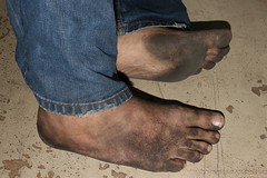 dirty city feet 577 (dirtyfeet6811) Tags: feet sole toes barefoot dirtyfeet dirtysole blacksole dirtytoes cityfeet