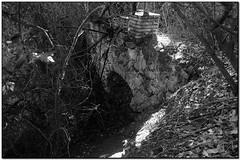 Aqüeducte del rec de can Beia, La Garriga (el Vallès Oriental) (Jesús Cano Sánchez) Tags: elsenyordelsbertins fujifilm xq1 catalunya cataluña catalonia barcelonaprovincia valles vallesoriental cinglesdeberti lagarriga senderisme senderismo excursionisme excursionismo hiking aqueducte acueducto aqueduct bn byn bw gebracb ametllaosonacamina2018