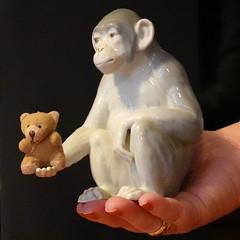 In good Hands (boeckli) Tags: smileonsaturday holding animal bear bär affe porzellan ape porcelain figurine 7dwf