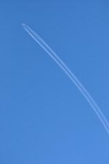 OTT: 'EK3PG' (EK0019) DXB-MAN (A380spotter) Tags: airbus a380 800 msn0178 a6eoi expo2020dubaiuaeofficialpremierpartner decal sticker 38m longrangeconfiguration 14f76j427y الإمارات emiratesairline uae ek ek3pg ek0019 dxbman cruisealtitude fl400 flightlevel400 40000 40000feet 12192m ott overthetop overhead vapourtrail contrail contrails trailing jetstream dotspot dotspotting sky london