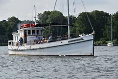 Winnie Estelle underway (Chesapeake Bay Maritime Museum Photos) Tags: chesapeakebaymaritimemuseum stmichaelsmd cbmm chesapeake history bay buyboat buy boat winnie estelle